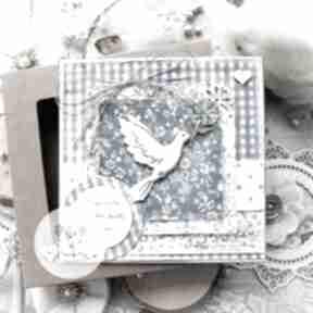 Pomysły na prezenty święta? Kartka w pudełku z gołąbkiem