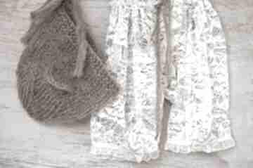 Misiowy zestaw czapeczka z uszkami i koronkowe szorty woolbyme