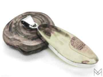 Srebrny wisior z bursztynem bałtyckim pudełko wisiorki mychoice