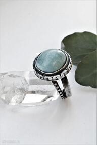 Pierścień z ceramicznym, oczkiem dziki krolik ceramiczne oczko