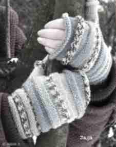 Mitenki gąsienniczki niebieskie rękawiczki jaga11 na drutach