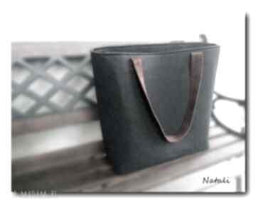 Duża czarna, minimalistyczna torebka zapinana na suwak natali