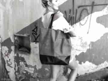 Duża popielata torba na ramie ramię monest atelier zamek, duża