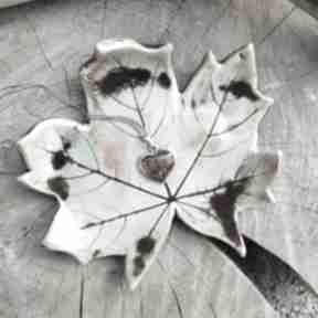 Ceramiczny talerzyk, liść klonu c255 ceramika shiraja klon