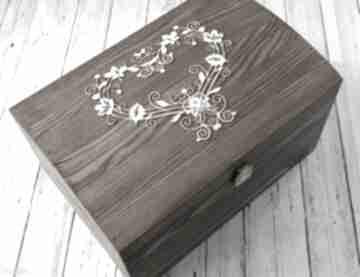 Kufer na koperty - ażurowe serce księgi gości biala konwalia