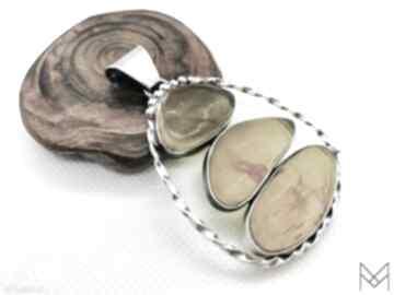 Nowoczesny wisiorek z trzema bursztynami srebro wisiorki