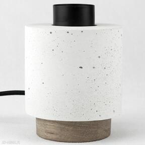 Lampa stoło z betonu architektonicznego pracownia szkla lampa