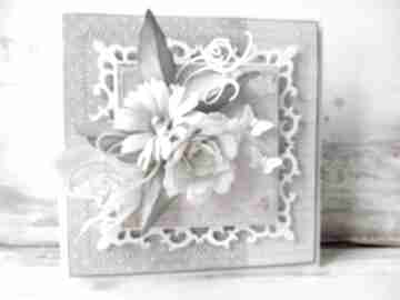 scrapbooking kartki. kwiaty motylki życzenia gratulacje