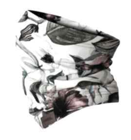 Jesienno-zimowy kominek, wzorzysta komino-maska biały
