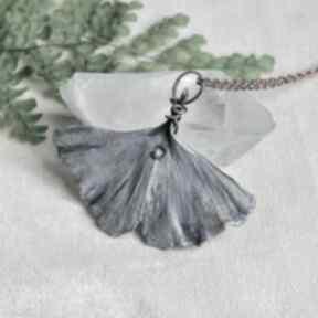 Miłorząb w fiolecie - naszyjnik z prawdziwym liściem naszyjniki