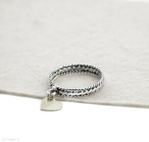 Pierścionek z sercem zgustem srebrny, srebro 925, obrączka