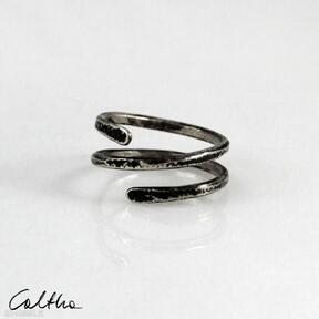 Caltha: mosiężny-pierścionek w-kolorze-złota