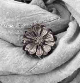 1280 mela broszka z żywicy kwiat, brązowe bordo broszki art