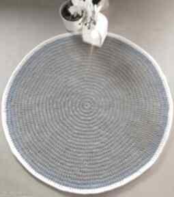 Okrągły dywan o średnicy 110 cm - scandi motkovo dywan