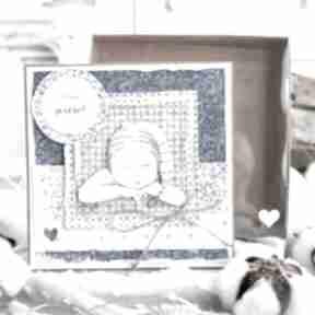 Przeurocza kartka dla dziecka w pudełeczku z szybką narodziny