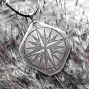 Wisior z trawionej miedzi - róża wiatrów 040 wisiorki wolfpath