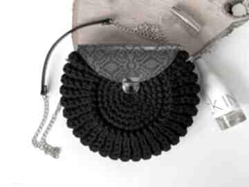 Szydełkowa torebka oreo czarna na ramię fabryqaprzytulanek