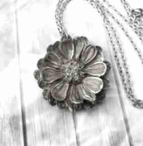 wisiorkiwisiorek kwiat żywica epoksyd naszyjnik-kwiat