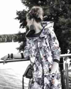 Długa bluza oversize print wzor tropikalny ogromny kaptur bluzy