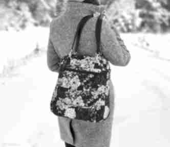 Upominek święta: Torebka listonoszka - bajeczny ogród na ramię
