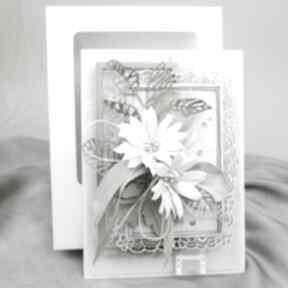 Krem i biel w pudełku scrapbooking kartki marbella ślub