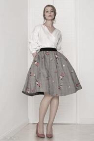 Spódnica w haftowane róże spódnice kasia miciak design