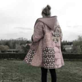 Płaszcz patchworkowy długi z kapturem -w stylu boho, kimonowy
