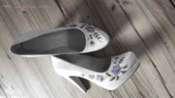 Góralskie malowanki fioletowe buty swarne folk, góralskie, róże,