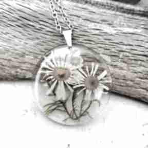 Herbarium Jewelry. naszyjnik-z-żywicy biżuteria-z-kwiatami