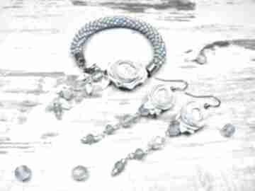 Komplet biżuterii zkoralików i kwiatami piwonii - błętkitny