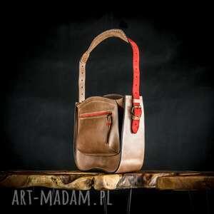 ręcznie robione pojemna torebka z dużą zewnętrzną kieszenią w kolorze brązowym