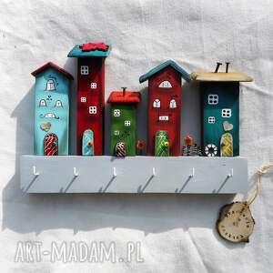 wieszaki kolorowe domki nr 1, dom wieszak, z drewna, do powieszenia