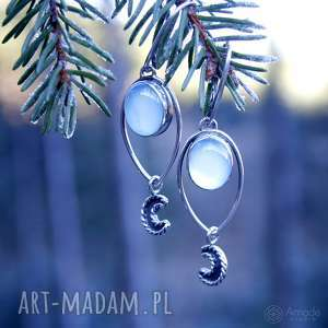 Luar z błękitnym chalcedonem, księżyc, romantyczne, pastelowe, podłużne, wiszące