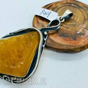 srebrny wisiorek z bursztynem bałtyckim handmade, wisior bursztynem, damska
