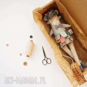 Prezent Lalka handmade z tkaniny - Hiroko Monsterówna, lalka-waldorfska