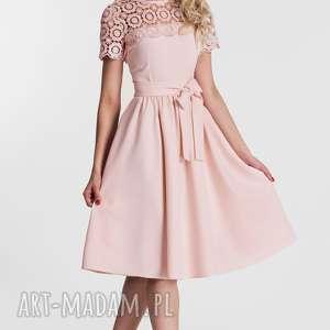 Sukienka MELIA Midi Koronka (Pastelowy Róż), koronkowa, kokarda, rozkloszowana, midi