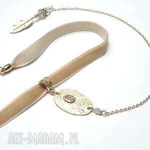 naszyjniki choker - l beige /smycz/ naszyjnik, choker, aksamitka, swarovski