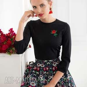 Bluzka z różą czarna bluzki kasia miciak design bluzka, czarna