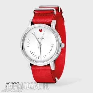 Prezent Zegarek, bransoletka - There is always time for love czerwony, nato