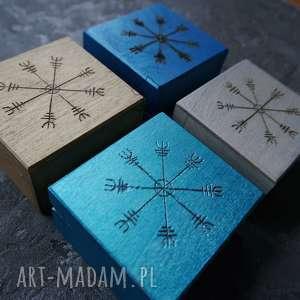 Ręcznie malowane drewniane pudełko Aegishjalmur - kolor do wyboru, wiking, wikingowie