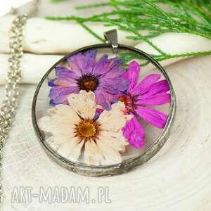 Naszyjnik z kwiatów w cynowej ramce z397 naszyjniki herbarium