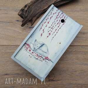 ręcznie zrobione etui piórnik drewniany kwitnąca wiśnia i lis - ręcznie malowany unikat