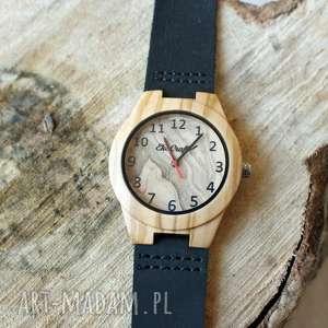 Pomysły na upominki świąteczne: Damski drewniany zegarek