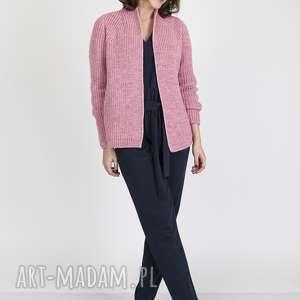 Kardigan z fakturą, SWE120 róż MKM, blezer, narzutka, sweterek, dzianina, jesienny,