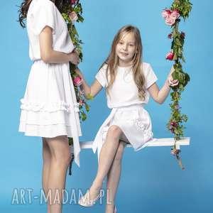 komplet sukienek z ozdobną falbanką, model 30, biały, komplet, sukienek