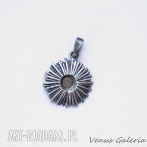 Cynia szara - wisiorek srebrny, srebro, kwiat, naszyjnik, zawieszka, wisior, cynia