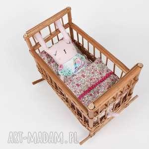 handmade zabawki królikówna w kołysce z pościelą