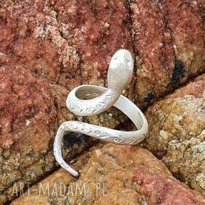 venus galeria wąż biały - pierścionek srebrny, wąż, biżuteria, prezent
