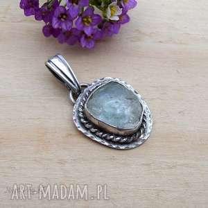 święta, surowy błękit, srebrna biżuteria, wisior srebro, topaz surowy, delikatna