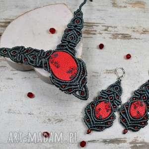 elegancki komplet biżuterii - naszyjnik i długie kolczyki stalowo czerwony